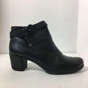 Easy Spirit black ankle boots